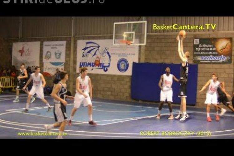 Un baschetbalistul român e mai înalt decât toți jucătorii din NBA. Acum are numai 16 ani - VIDEO