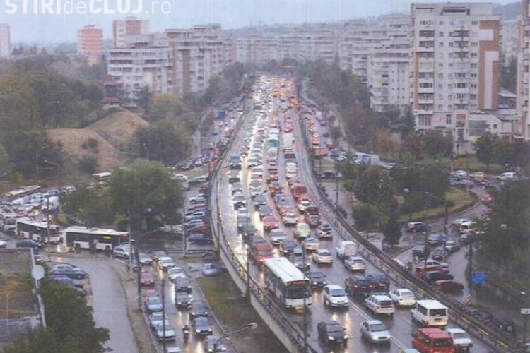 Un drum din Cluj-Napoca, mai circulat decât cea mai aglomerată intrare în București. Peste 74.000 de mașini au trecut într-o zi