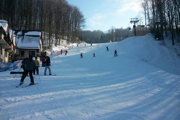 Pârtiile de la Șuior oferă condiții foarte bune de schi. Ce pachete de cazare sunt - VIDEO