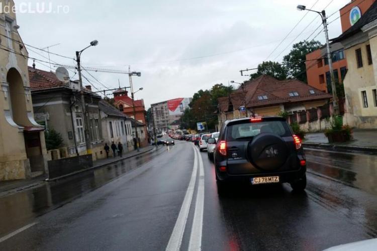 Emil Boc anunță sens unic pe strada Moților, plus o surpriză