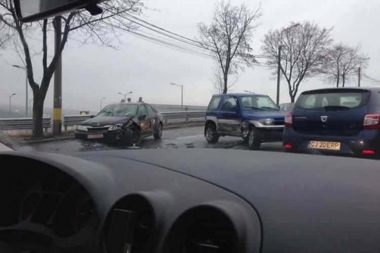 Accident pe varianta Zorilor - Mănăștur, lângă curba Lidl - FOTO