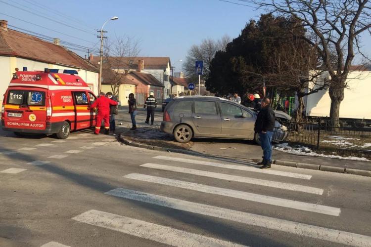 Accident în Mărăști! Un șofer era să intre într-un parc - FOTO