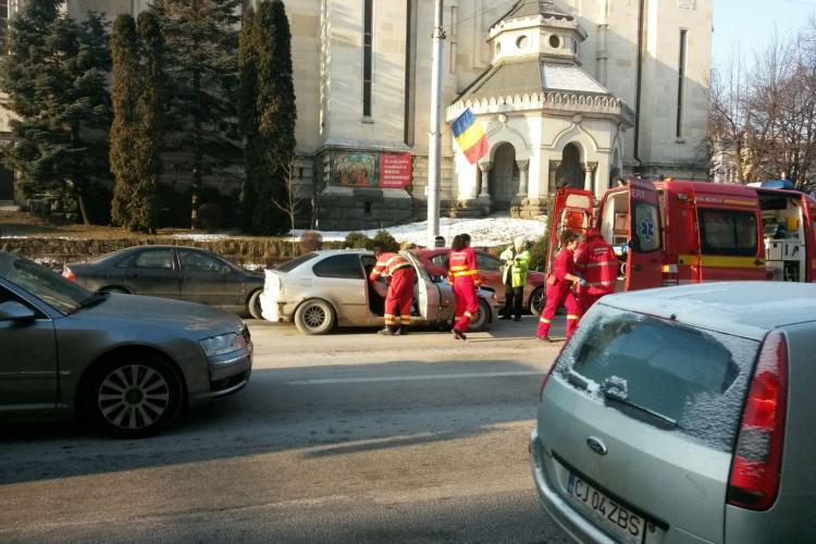 Accident în Piața Avram Iancu! Nerespectarea distanței în trafic face victime - FOTO / VIDEO