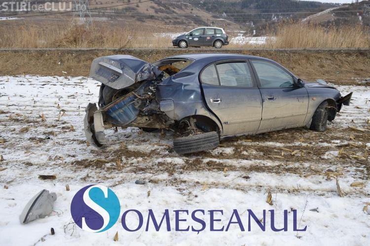 CLUJ: Accident la Fizeșu Gherlii. Un șofer s-a izbit de un stâlp de electricitate FOTO
