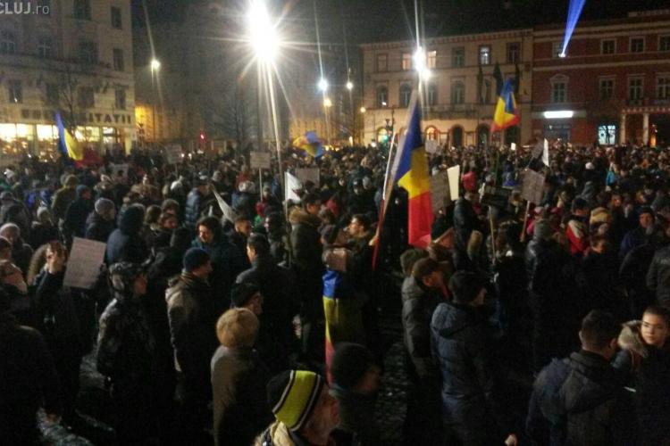 """Un nou protest la Cluj, sâmbătă seară: """"Cluj-Napoca, #ne-am_saturat!"""""""