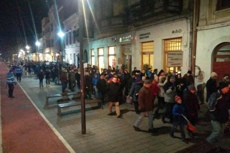 Ziua 14 de proteste la Cluj. Aproximativ 1.500 de persoane au ieșit în stradă - FOTO