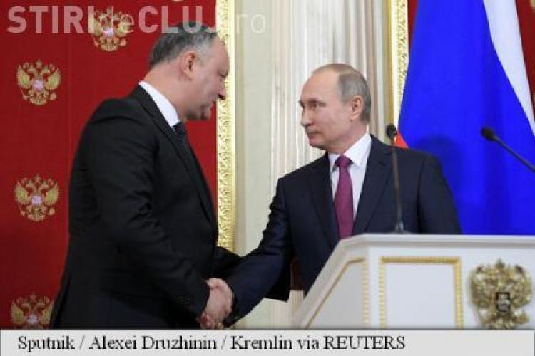 """Dodon a primit de la Putin o hartă cu Moldova istorică: """"Jumătate din teritoriul actual al României"""""""