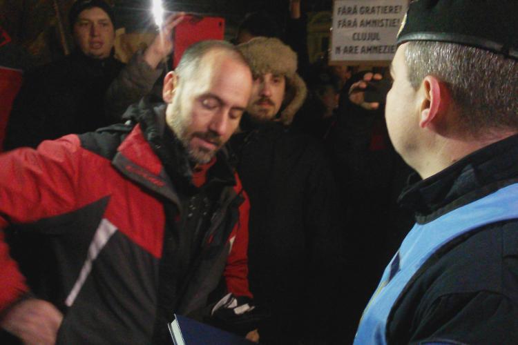 Jandarmii acuzați că intimidează protestatarii de la Cluj-Napoca VIDEO și FOTO