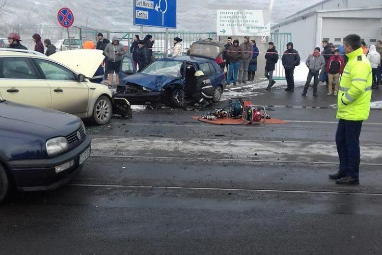Accident pe Bulevardul Muncii! A încercat să evite o coliziune și a produs un accident grav - VIDEO