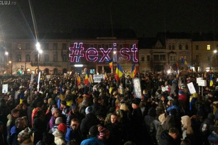 Clujenii ies din nou în stradă, duminică. Protestatarii vor să facă steagul UE în Piața Unirii