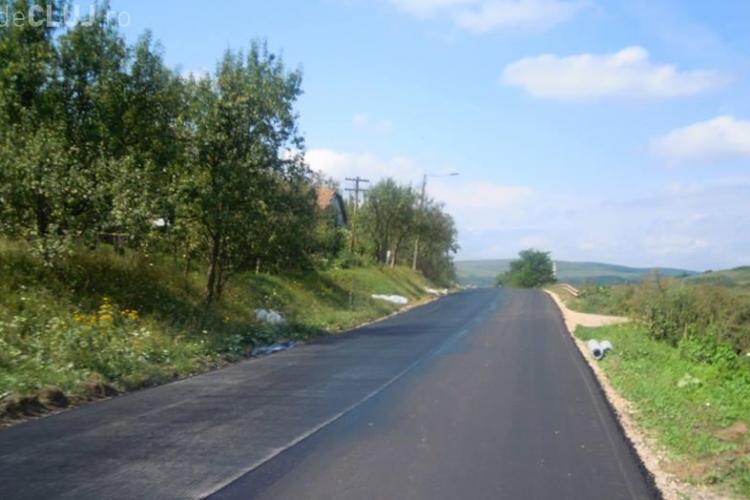 Cluj: Au fost reluate lucrările de reabilitare şi modernizare a drumurilor judeţene