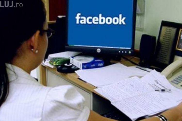 O româncă batjocorită pe Facebook a câştigat procesul cu fostele rude