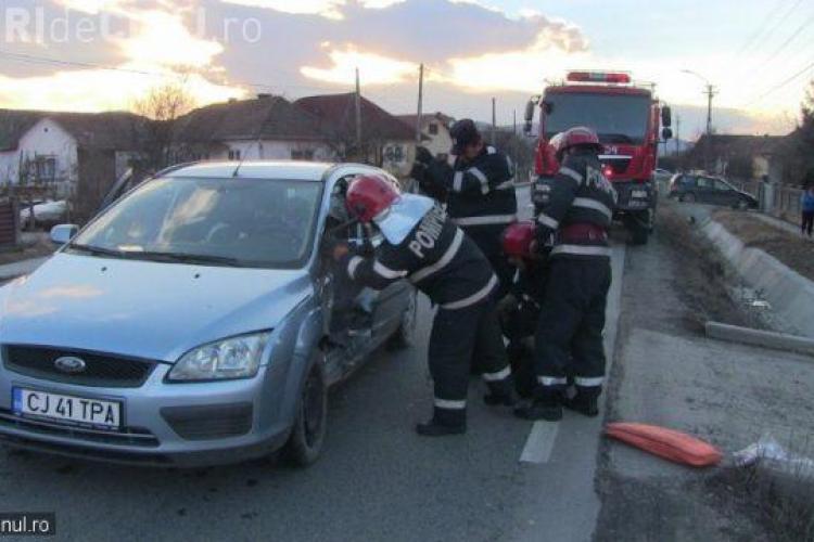 Accident cu două victime la Coplean. Un șofer beat la volan a fost lovit în timp ce încerca să intre în curte VIDEO