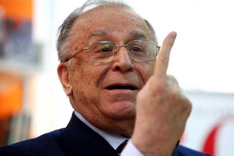 Ion Iliescu a fost audiat în dosarul Revoluţiei. Întrebat dacă se simte vinovat: Ar trebui să aveţi cât de cât discernământ