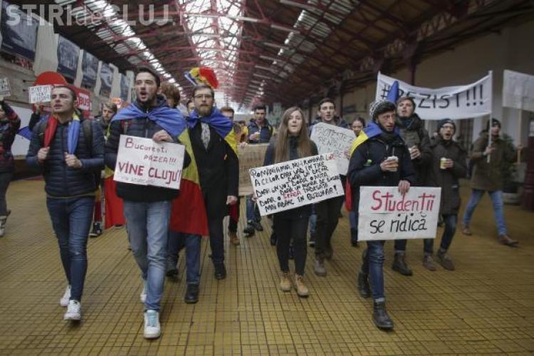 Studenții nu mai au gratuitate nelimitată la călătoriile cu trenul. Senatul a impus condiții noi