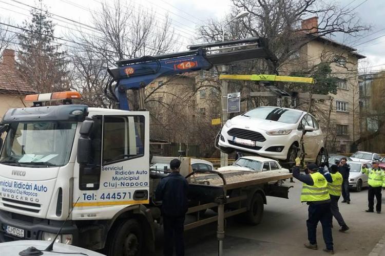 Cluj-Napoca: Au ridicat într-o zi toate mașinile de pe o stradă - FOTO