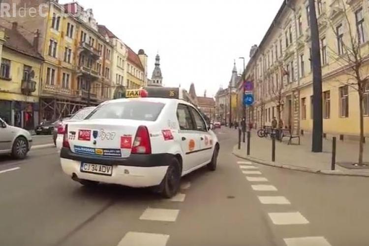 Video: Pe strada Horea, șoferii scurtează coada la semafor