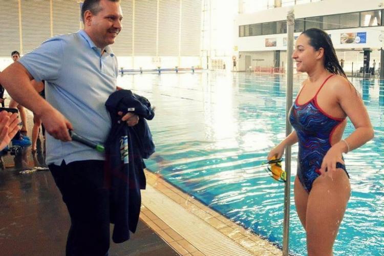 O clujeancă a înotat 24 de ore neîntrerupt. E prima româncă ce reușește performanța