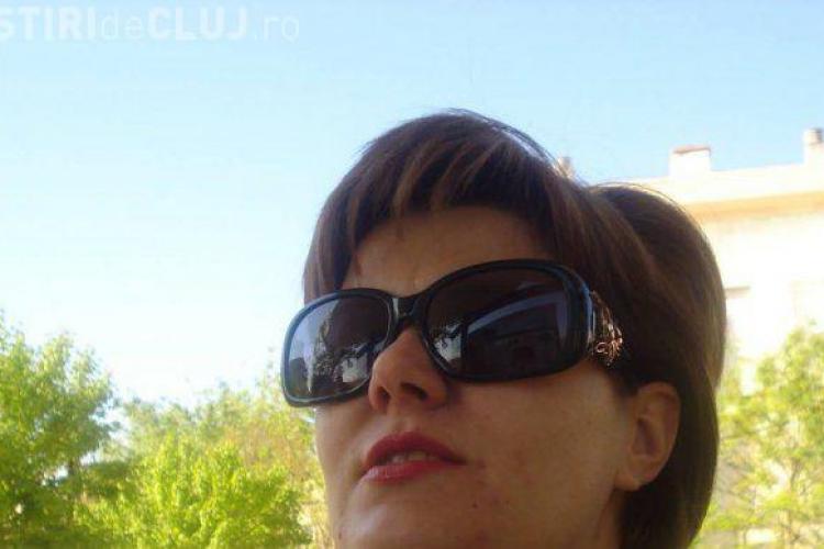 Cluj: O judecătoare de la Tribunal a intrat pe roșu și a făcut accident. A primit un avertisment și a vrut să SCAPE