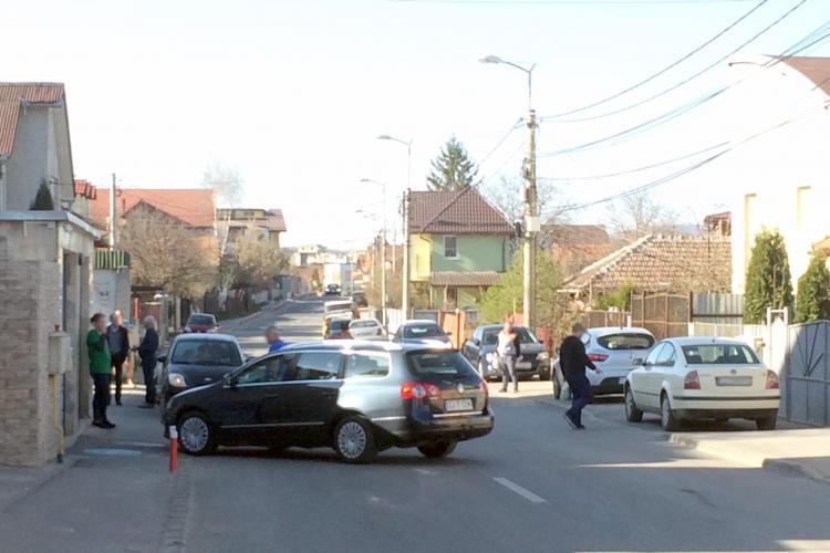 Cluj: Așa se blochează traficul pe strada Câmpului: Parcare de nota 10