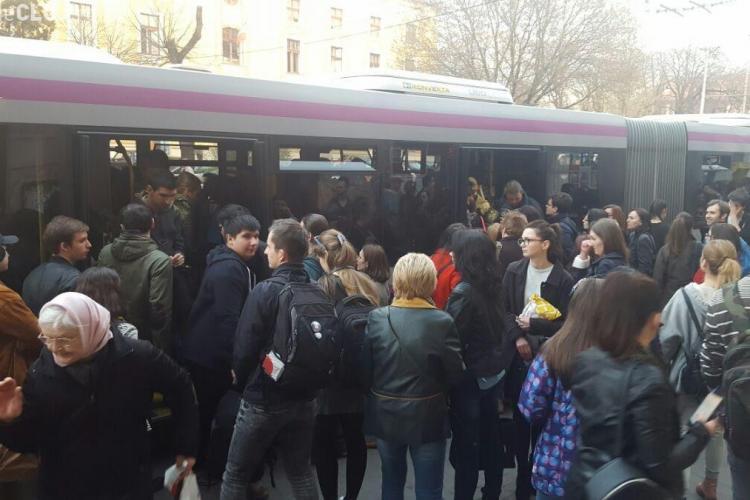 Reclamație Cluj: Troleibuze supraaglomerate în Mănăștur, la prima oră