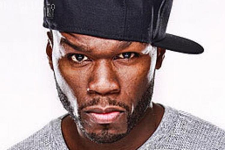 Celebrul rapper 50 Cent, filmat în timp ce lovește o fană cu pumnul. Vezi gestul neașteptat făcut de femeie după incident VIDEO