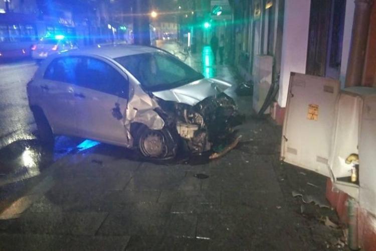 """Accident pe Calea Moților! Un șofer beat la volan a """"ras"""" totul în cale FOTO"""