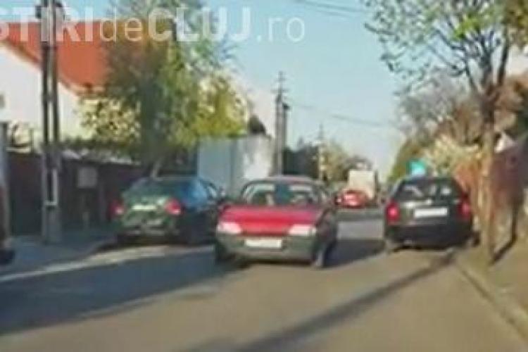 Nesimțire în trafic la Cluj! Cum circulă un șofer, fără probleme, pe contrasens VIDEO