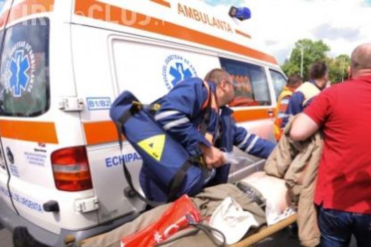 O fetita de 11 ani a fost lovita de un autoturism pe strada Septimiu Albinii