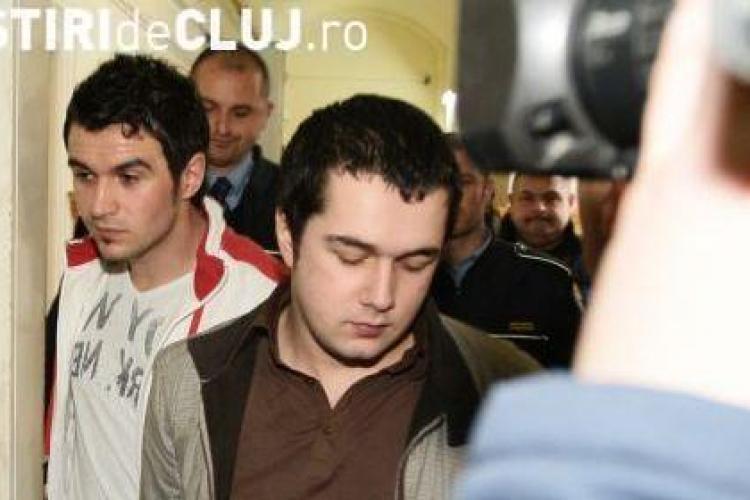 Bogdan Baciu si Andrei Hosu, masurati la IML Cluj! Vezi de ce a fost verificata inaltimea celor doi suspecti din jaful de la Banca Transilvania