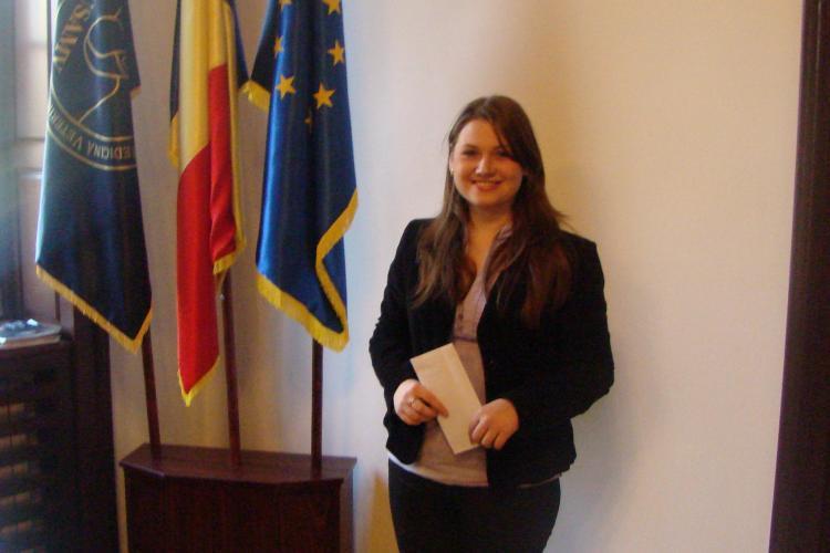 O studenta de la USAMV Cluj primeste o bursa lunara de 500 de lei, direct din salariul ministrului Educatiei