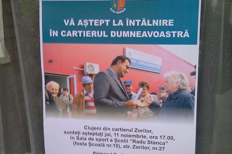 Sorin Apostu isi face campanie si angajatii trag la xerox afise! - FOTO