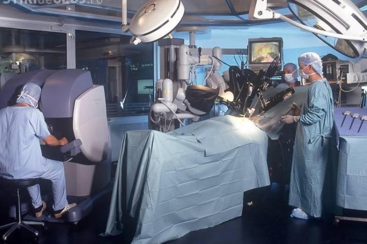 Robotul Da Vinci a salvat la Cluj 80 de vieti! Operatiile au fost facute la Spitalul Municipal Cluj Napoca