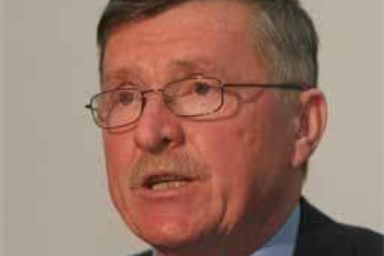 Hardau va fi schimbat de la sefia comisiei de invatamant din Senat