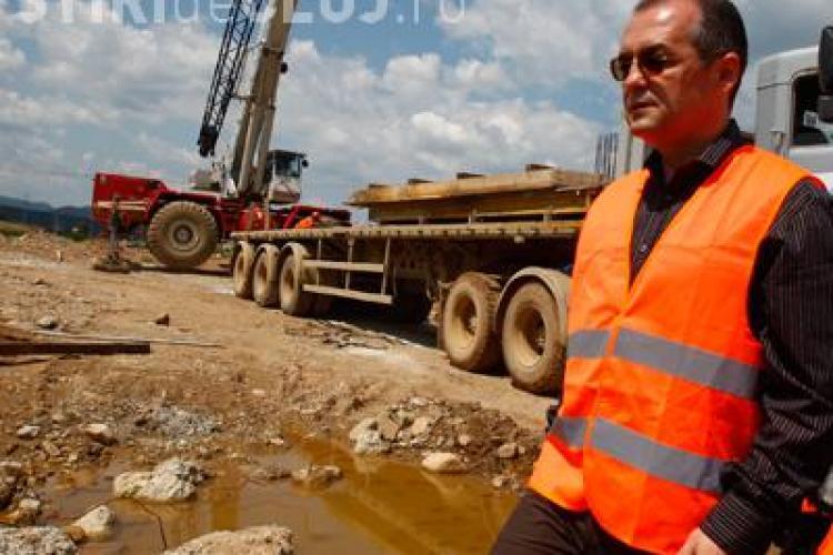 """Premierul Emil Boc nu va inaugura sambata tronsonul Turda - Campia Turzii, din autostrada Transilvania! Drumul mai trebuie """"cosmetizat"""""""