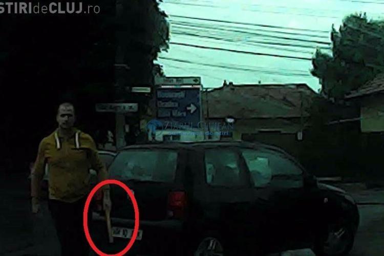 Road Rage pe Corneliu Coposu! Un șofer s-a dat jos cu bâta la o clujeancă - VIDEO