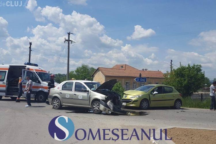 CLUJ: Accident cu o victimă la Mănăstirea. Un taximetrist neatent a lovit în plin o mașină VIDEO