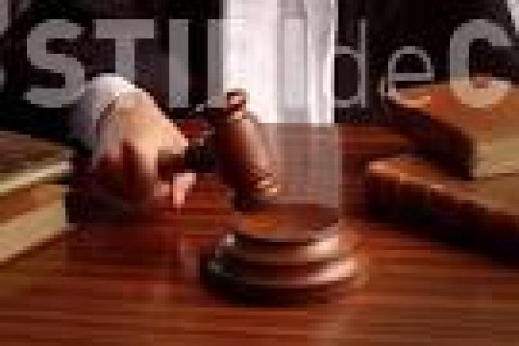 Un clujean a încercat să mituiască doi polițiști pentru a scăpa de un dosar penal, însă a ajuns pe mâinile procurorilor