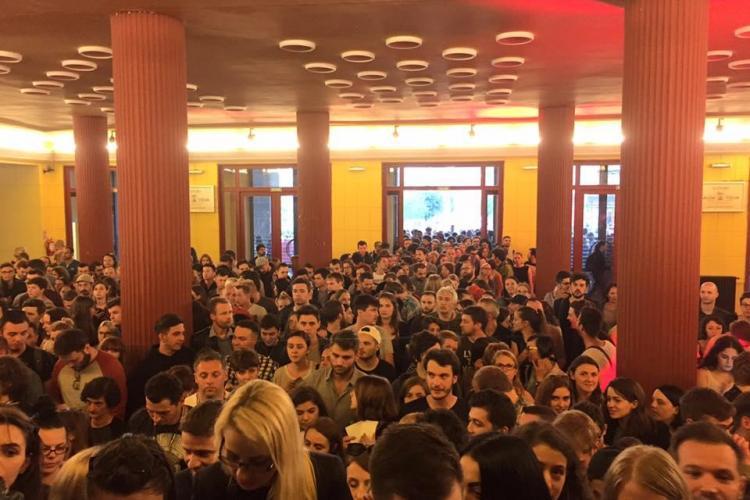 """La TIFF s-au cântat manele. Cinefilii au dansat pe rupte, pe ritmuri """"culturale""""  - VIDEO"""