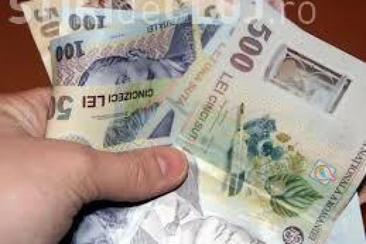 Bani găsiți pe stradă de un tânăr clujean cu spirit civic. Proprietarul e așteptat la Poliție să îi recupereze