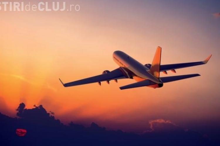 Greva controlorilor de trafic aerian cauzează mari probleme. Toate cursele charter de marți au fost ANULATE