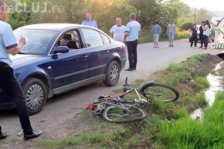 CLUJ: Biciclist băut, rănit în urma unui accident. A fost acroșat de un autoturism VIDEO
