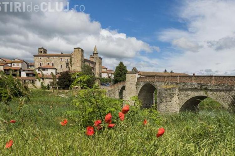 Un primar din Italia promite 2000 de euro celor care vor să se mute în satul său