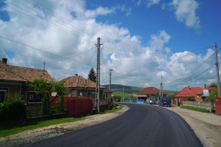 Se lucrează pe drumul județean DJ 108C Gîrbău - Aghireș - FOTO