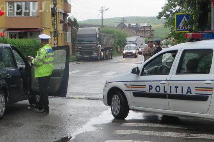 Accident lăsat cu scandal la Gherla. Polițiștii au avut nevoie întăriri pentru calma un șofer beat la volan