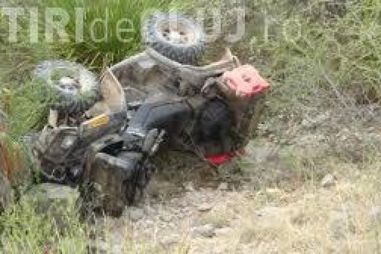 """CLUJ: Tinere accidentate după ce s-au răsturnat cu ATV-ul. """"Șoferița"""" nu avea permis"""