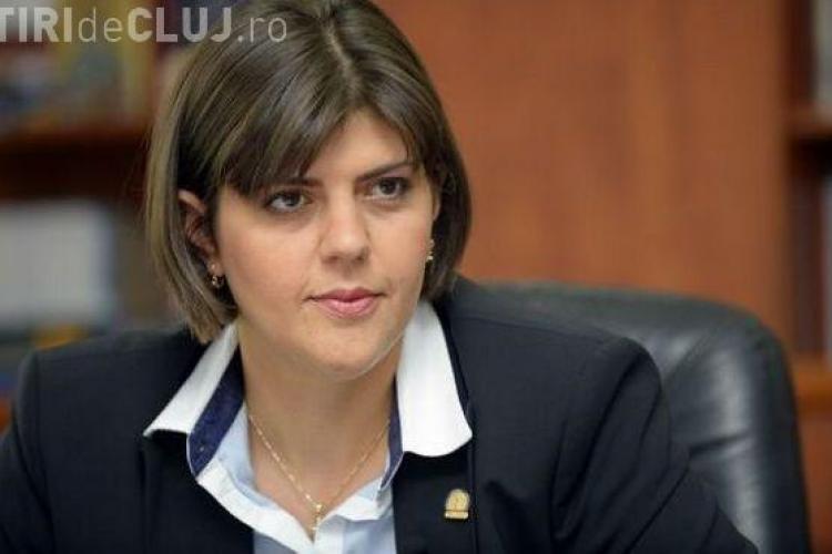 Protest împotriva Codruței Kovesi, la sediul DNA. Printre manifestanți e și un deputat PSD