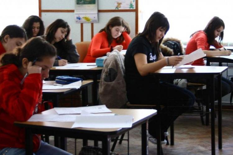 Cluj - Evaluare națională. Ce subiecte au picat la Limba Română