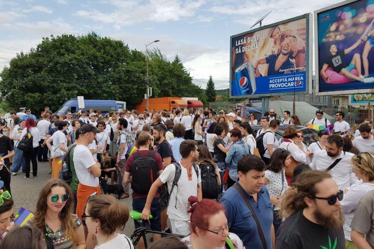 """Emil Boc explică de ce marșul gay """"Cluj Pride"""" s-a desfășurat pe malul Someșului, în timp ce marșul anti-gay a fost în centrul orașului"""