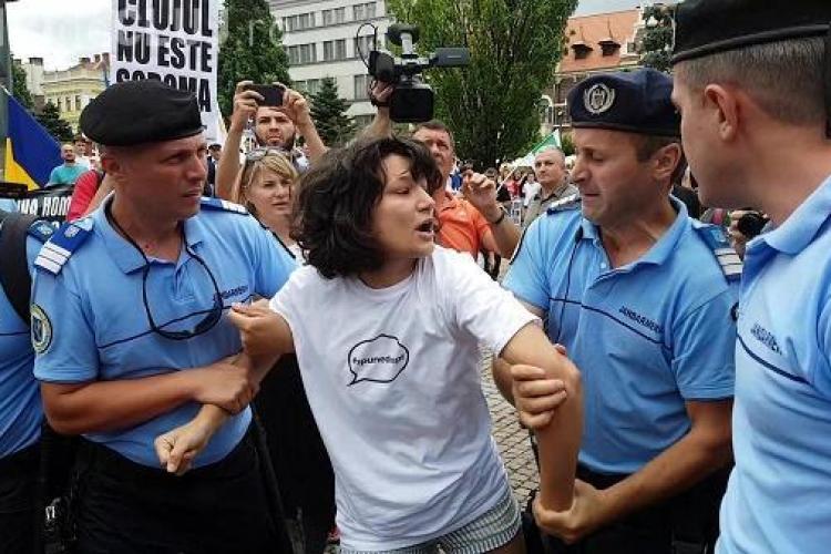 Actrița Oana Mardare, agresată de jandarmi la protestul anti gay. Ea a explicat ce a vrut